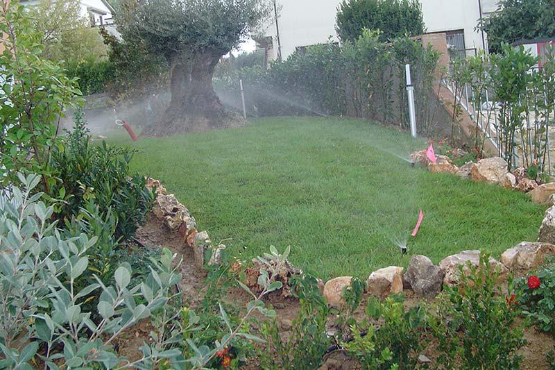 Impianti irrigazione giardino progettazione e realizzazione for Irrigazione giardino
