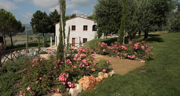 Foto giardini realizzazione di giardino per residenza privata for Progettazione giardini lucca