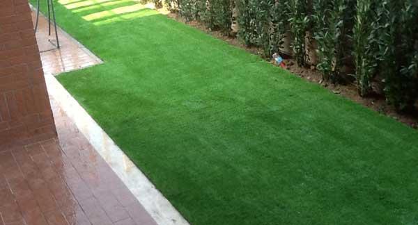prato sintetico per giardino posa professionale a pisa e