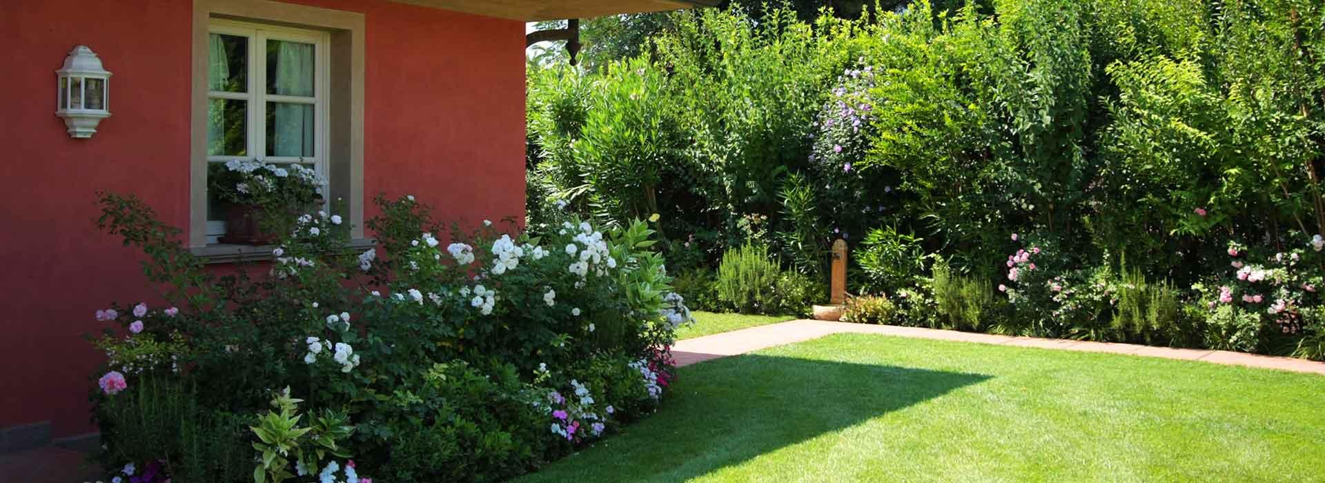 Progettazione e creazione giardini a pisa lucca livorno for Realizzazione giardini privati